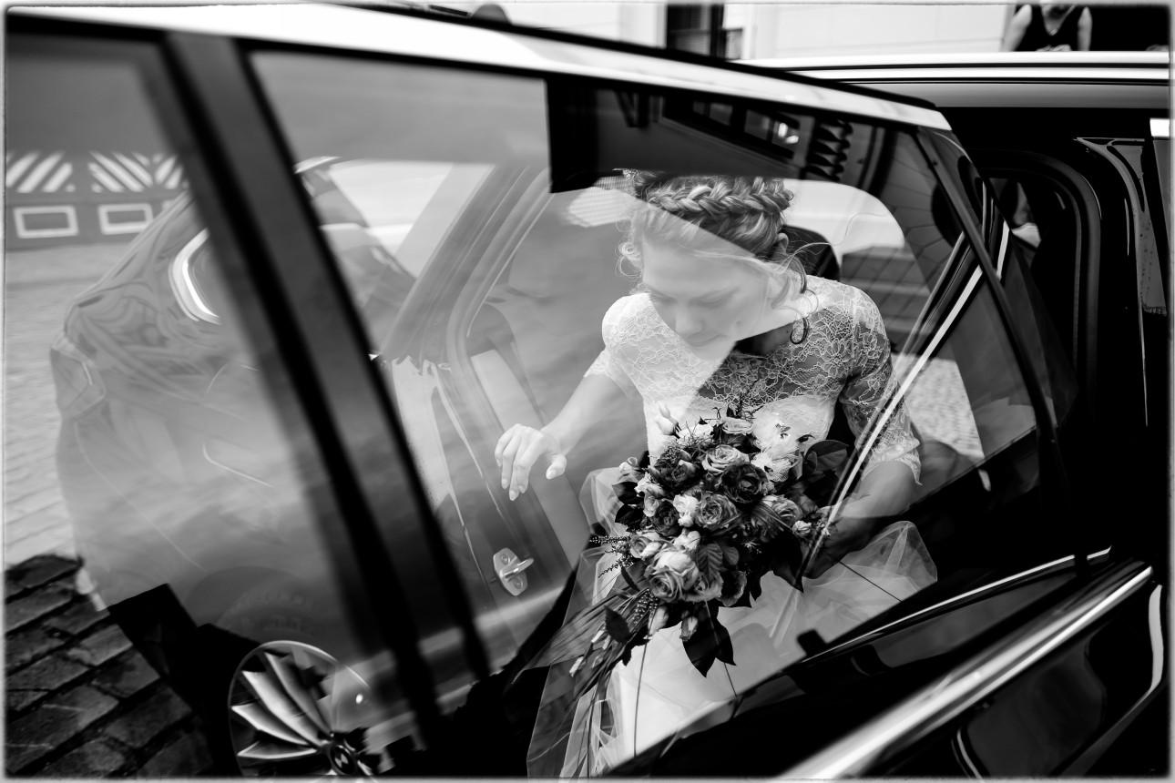 Fotograf Dessau, Bitterfeld, Köthen, Wittenberg und Hochzeitsfotograf für Hochzeitsreportagen europaweit